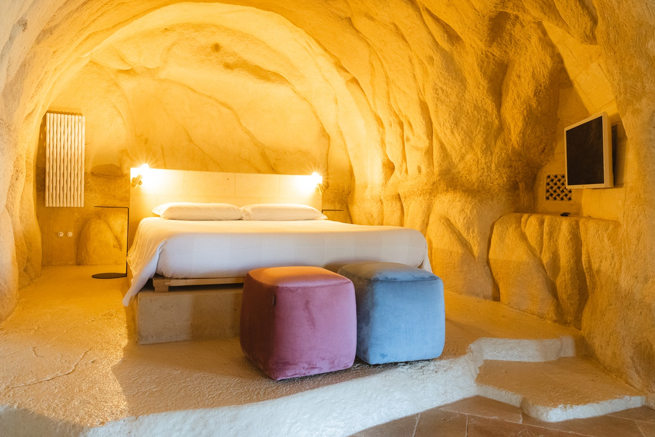 camera da letto suite roccia la corte dei pastori matera