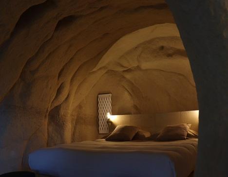 stanza nella roccia
